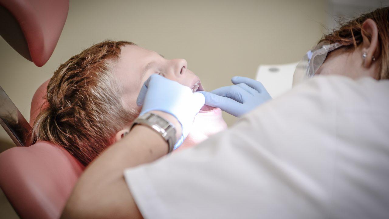 Porcelana o Cerámica dental